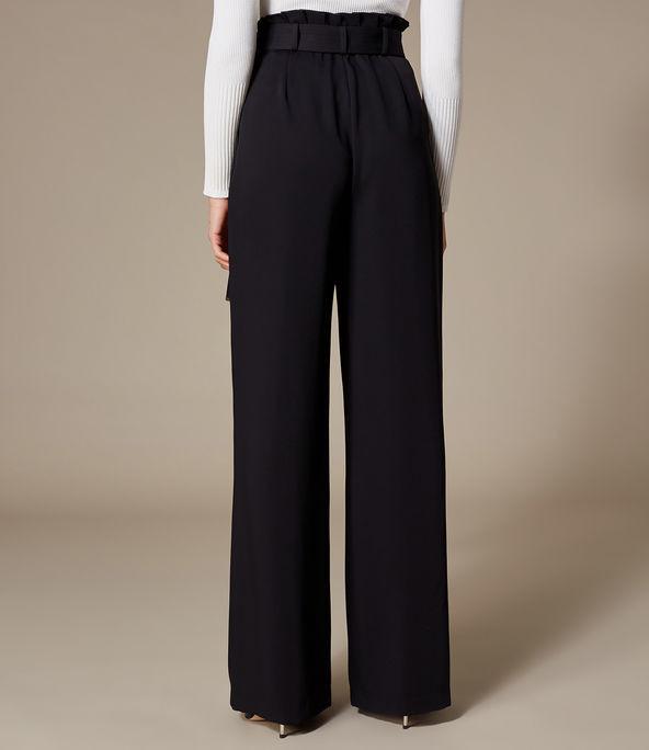 Pantalones pernera ancha