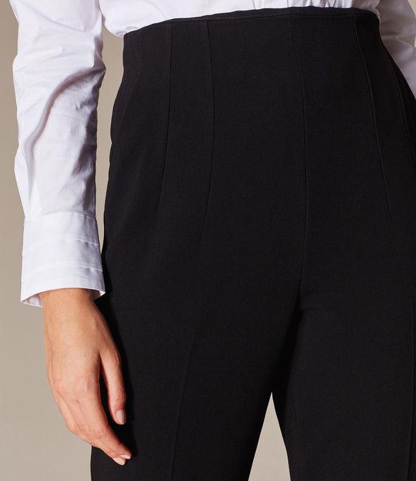 Pantalones entallados cinturón
