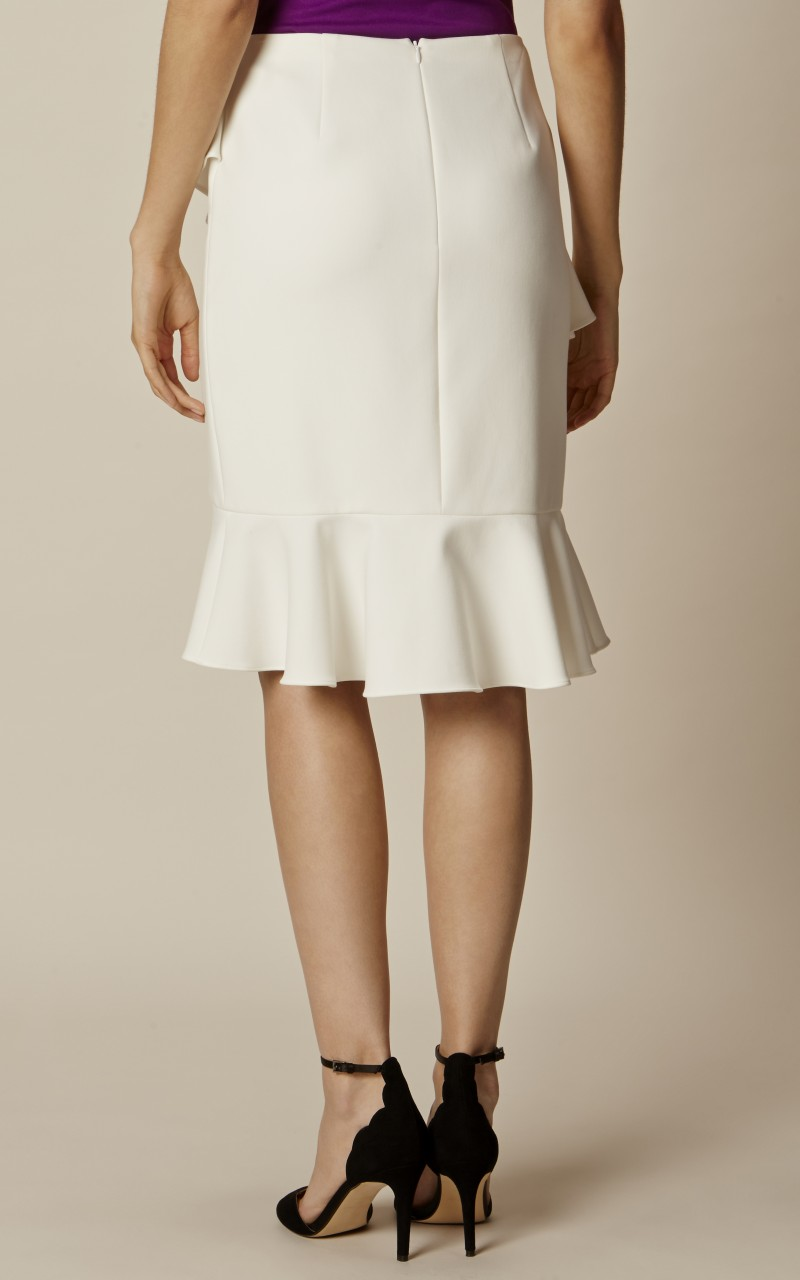 Falda volante crema