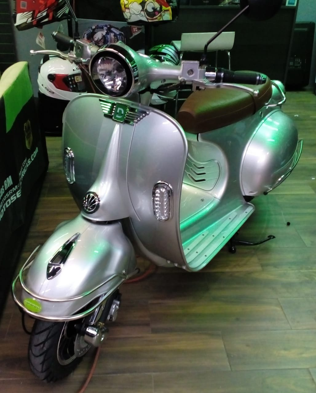SCOOTER RETRO 2018