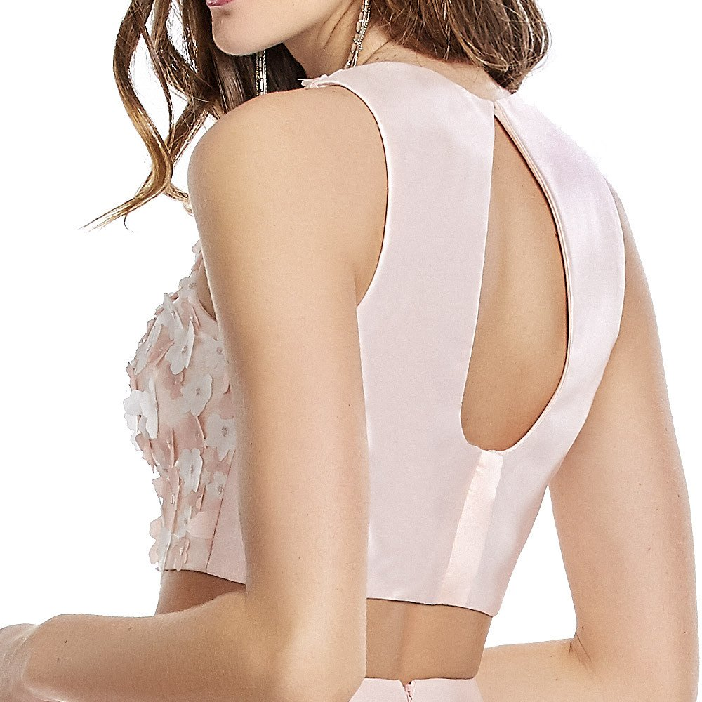 Altea vestido corto de dos piezas con top de flores en alto relieve.