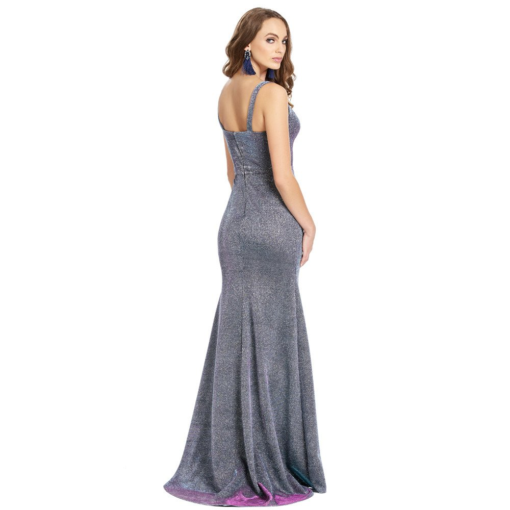 Celeste vestido largo con cauda