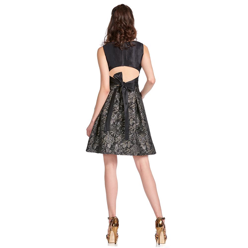 Dayana vestido corto espalda semidescubierta
