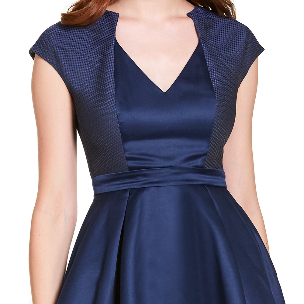 Irma vestido corto escote V manga corta