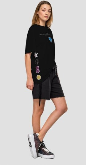 T-SHIRT WITH SEQUINS PATCH
