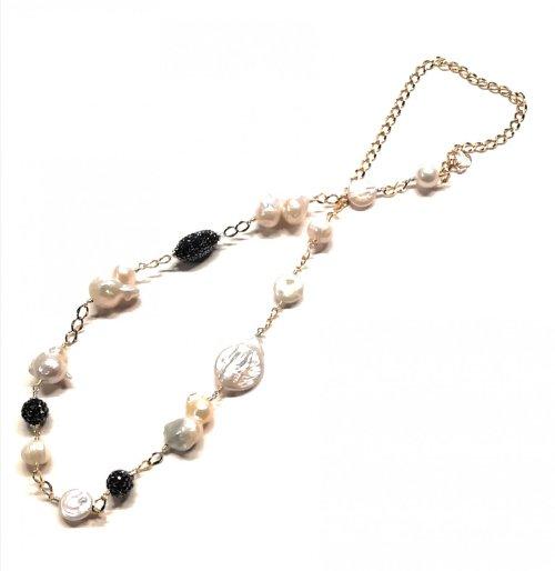 Collar Perlas y Espinelas. Chapa Oro blanco y negro