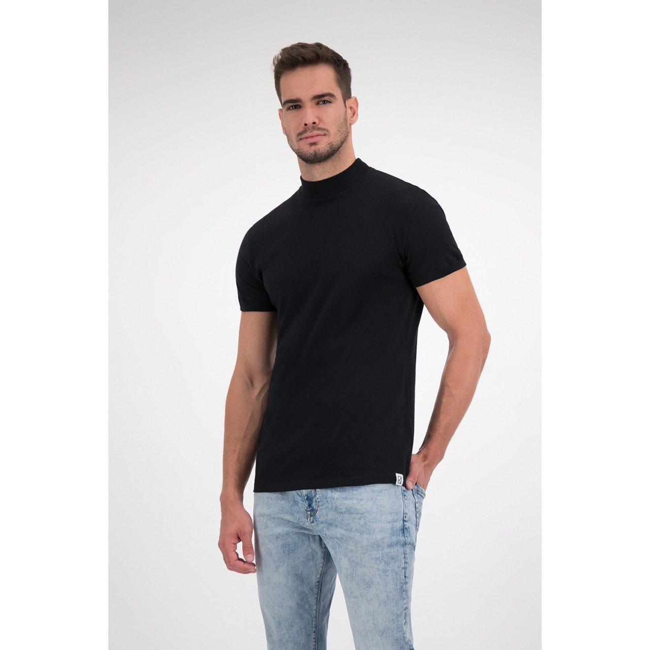 Playera The Basic Hi-Neck
